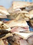 Piadine frais et délicieux avec le squa de jambon, de fromage et de légumes photo libre de droits