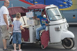 Piaggio Ape in Paris Royalty Free Stock Photos