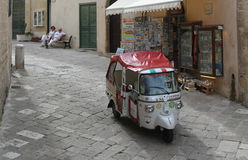 Piaggio Calessino (Konzert) für Touristen Stockfotografie