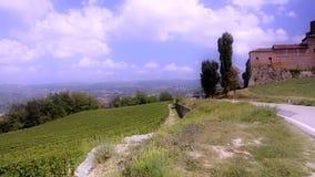 Piamonte, langhe, viñedos almacen de metraje de vídeo