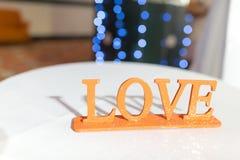 Piana listów miłość Stać na stole Zdjęcia Stock