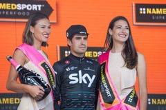 Piancavallo, Италия 26-ое мая 2017: Mikel Landa, команда неба, празднует на подиуме его победу Стоковые Фото