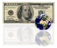 Pianeta della terra davanti a bankn Immagini Stock Libere da Diritti
