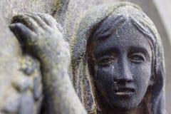 Piangente in pietra Fotografie Stock