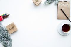 Pianificazione dei precedenti di bianco di punto di vista superiore del nuovo anno Fotografie Stock
