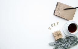 Pianificazione dei precedenti di bianco di punto di vista superiore del nuovo anno Immagini Stock
