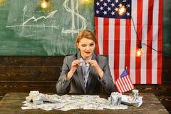 Pianificazione di reddito della politica di aumento di bilancio Economia e finanze Patriottismo e libertà Riforma americana di is Fotografia Stock Libera da Diritti