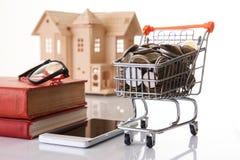 Pianificazione finanziaria personale e concetto online di acquisto Fotografia Stock Libera da Diritti