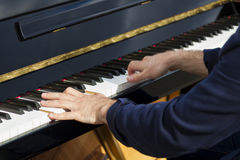 Pianist i gatan, Paris Arkivbilder