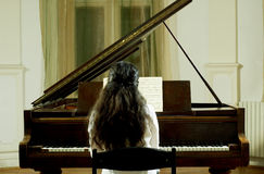 Pianista do concerto no piano Imagem de Stock Royalty Free