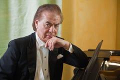 Pianista do homem sênior Foto de Stock Royalty Free