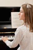 pianoövning royaltyfria bilder