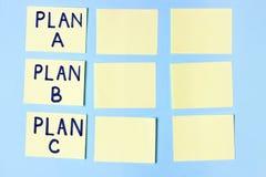 Piano A, piano B, piano C degli sugli autoadesivi colorati multi dell'ufficio Pianificazione, gestione, occupazione, affare Conce immagine stock libera da diritti