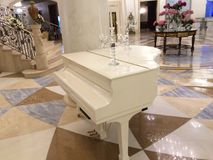 Piano branco Fotos de Stock