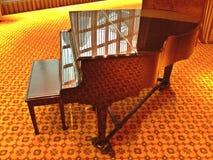 Piano de cola Foto de archivo libre de regalías