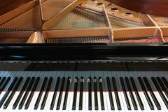 Piano de concierto de Yamaha Foto de archivo libre de regalías