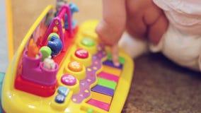 Piano de jouet de jeu clips vidéos