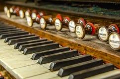 Piano del órgano del vintage Imagenes de archivo