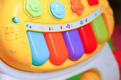 Piano del juguete Fotos de archivo libres de regalías