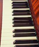 Piano della tastiera, vista laterale dello strumento di musical dello strumento Fotografie Stock Libere da Diritti