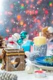 Piano di appoggio festivo di vigilia di natale di Natale che mette il pupazzo di neve del nuovo anno Fotografia Stock
