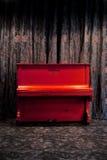 Piano di colore rosso dell'annata Fotografia Stock Libera da Diritti