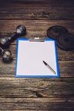 Piano di formazione o dieta di forma fisica Pagina del documento in bianco Immagine Stock Libera da Diritti