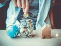 Piano di risparmio per la residenza della gente nella società Immagine Stock Libera da Diritti