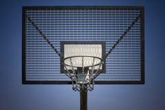 Piano di sostegno dell'acciaio di pallacanestro Fotografie Stock Libere da Diritti