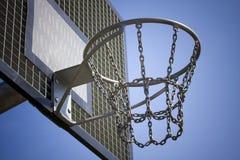 Piano di sostegno dell'acciaio di pallacanestro Fotografia Stock