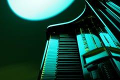 Piano en verde Foto de archivo libre de regalías