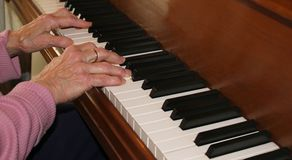 Piano hands with experience Royalty Free Stock Photography