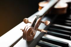 Piano Keyboard With Violin Royalty Free Stock Images