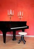 Piano magnífico y Candelabras Imagenes de archivo