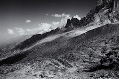 Piano monocromatico della catena montuosa di Aiguille du Midi Fotografia Stock Libera da Diritti
