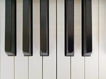 Piano muito velho imagens de stock