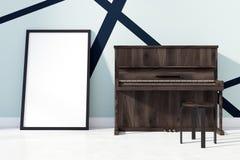 Piano och en affisch Royaltyfri Fotografi