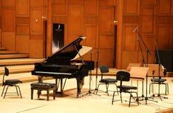 Piano på etapp Royaltyfria Foton