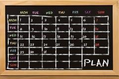 Piano per la settimana sulla lavagna immagini stock libere da diritti