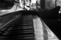 Piano preto e branco imagem de stock royalty free