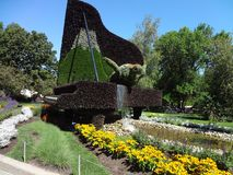 Piano som göras med naturen Botanisk trädgård av Montreal Kanada arkivfoton