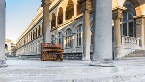 Pianot av hotellet-Dieu i Paris Arkivbilder