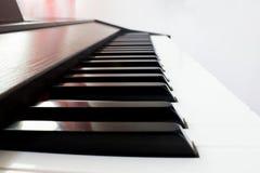 Pianotangentbord (den svarta tangenten) Fotografering för Bildbyråer