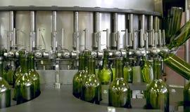 Pianta di imbottigliamento del vino Fotografia Stock