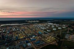 Pianta petrochimica della raffineria di petrolio, vista superiore immagini stock