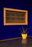 Piantatrice gialla della finestra, Marrakesh Immagini Stock