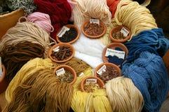 Piante per le tinture di lana. Fotografie Stock