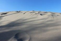 Piasek diun plaży pustyni nieba tło horyzontalny obrazy royalty free