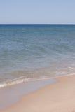 Piasek plaża na słonecznym dniu Zdjęcie Stock