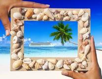 Piasek rama z rejsem na Tropikalnej plaży Obrazy Stock